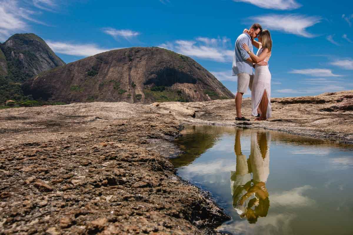 Ensaio pré casamento realizado na praia em Niterói RJ