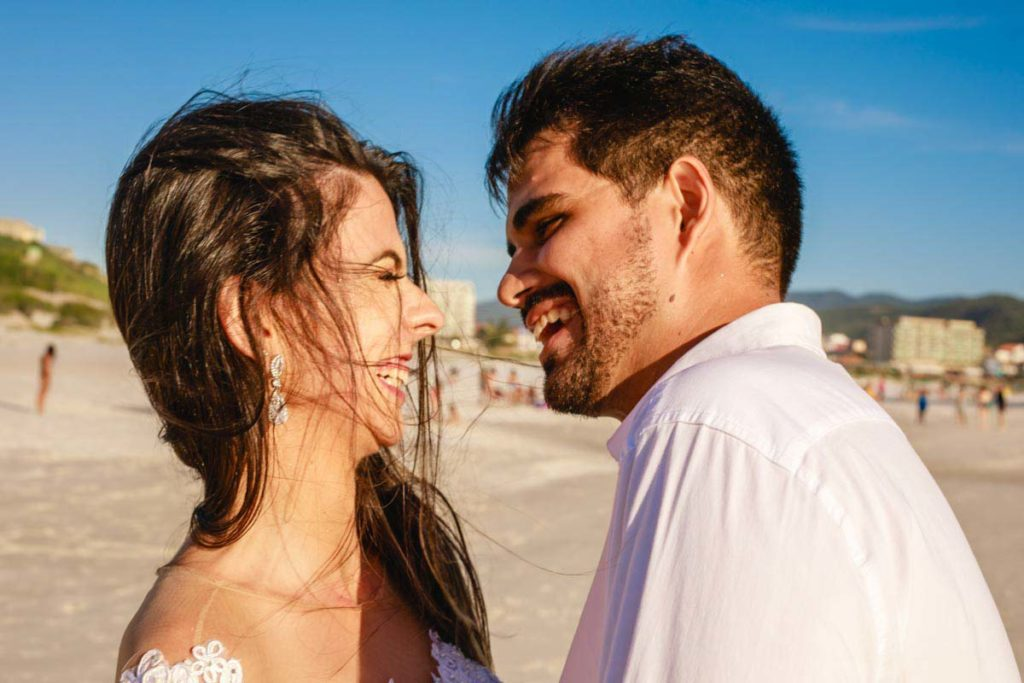 Trash the dress na praia Grande